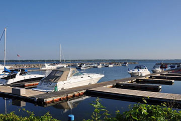 MADISON BARRACKS' MARINA